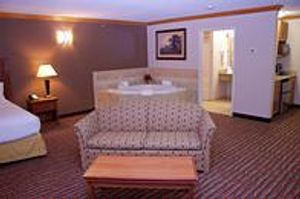 Image 6 | Holiday Inn Express & Suites Pierre-Fort Pierre