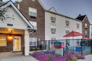 Image 3 | TownePlace Suites by Marriott Cleveland Airport