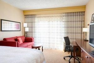 Image 10 | Courtyard by Marriott Raleigh Cary