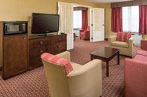 Image 10 | Comfort Inn & Suites Near Burke Mountain