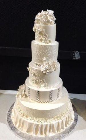 Image 3   Wedding Cakes by Tammy Allen