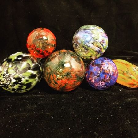 Great Job, Students! Make your own ornaments class, schedule today!