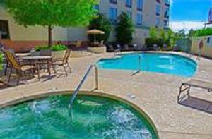 Image 3 | Holiday Inn & Suites Phoenix Airport, an IHG Hotel
