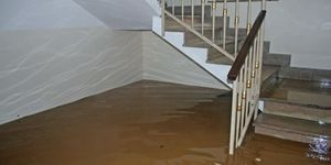4 Safety Tips for Water Damage Cleanup