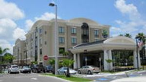 Image 2 | Holiday Inn Express & Suites Tampa -Usf-Busch Gardens