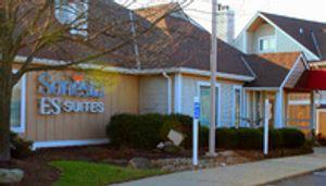 Sonesta ES Suites Cleveland Airport, OH entrance