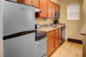Image 7 | TownePlace Suites by Marriott Cleveland Airport
