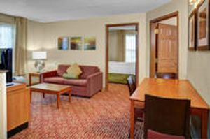Image 6 | TownePlace Suites by Marriott Cleveland Airport