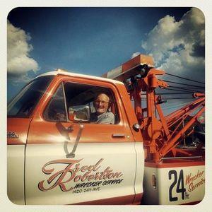 Fred Robertson Wrecker Service (205) 758-4761