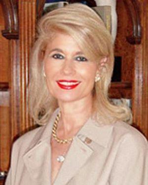 Elisabeth Dabbelt (Owner)