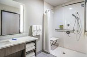 Image 4 | Holiday Inn Express & Suites Tulsa East - Catoosa, an IHG Hotel