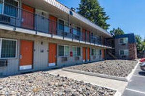 Image 9 | Econo Lodge Inn & Suites Hillsboro - Portland West