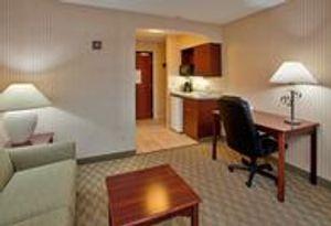 Image 4   Holiday Inn Express & Suites Lansing-Leavenworth, an IHG Hotel