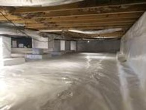 We are the expert local insulation contractor serving Versailles and surrounding areas!  Whether you need to encapsulate a crawl space, insulate your basement, floors, or ducts, or you need to air seal and re-insulate your attic, we do it all!  We offer spray foam, fiberglass, and cellulose options.  Contact us today to schedule a free evaluation!