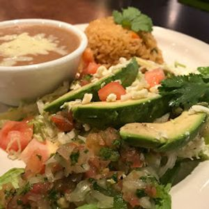 For great food, refreshing drinks, and loads of fun any time of day, stop by Sol Aztecas Mexican Restaurant.