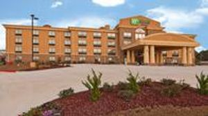Image 2 | Holiday Inn Express & Suites Jackson/Pearl Intl Airport