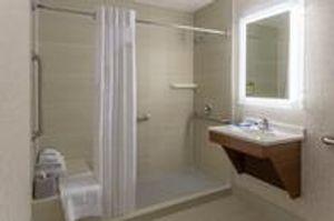 Image 10 | Holiday Inn Express LaGuardia Arpt