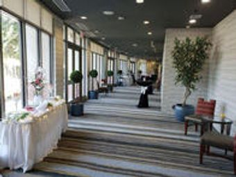 Image 17   Holiday Inn & Suites Phoenix Airport, an IHG Hotel