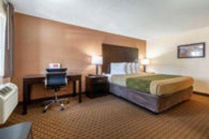 Image 2 | Econo Lodge Inn & Suites Hillsboro - Portland West