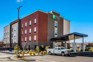 Image 10 | Holiday Inn Express & Suites Tulsa East - Catoosa, an IHG Hotel