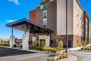 Image 8 | Holiday Inn Express & Suites Tulsa East - Catoosa, an IHG Hotel