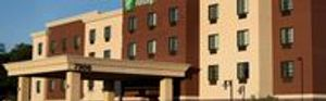 Image 2 | Holiday Inn Express & Suites Omaha South - Ralston Arena