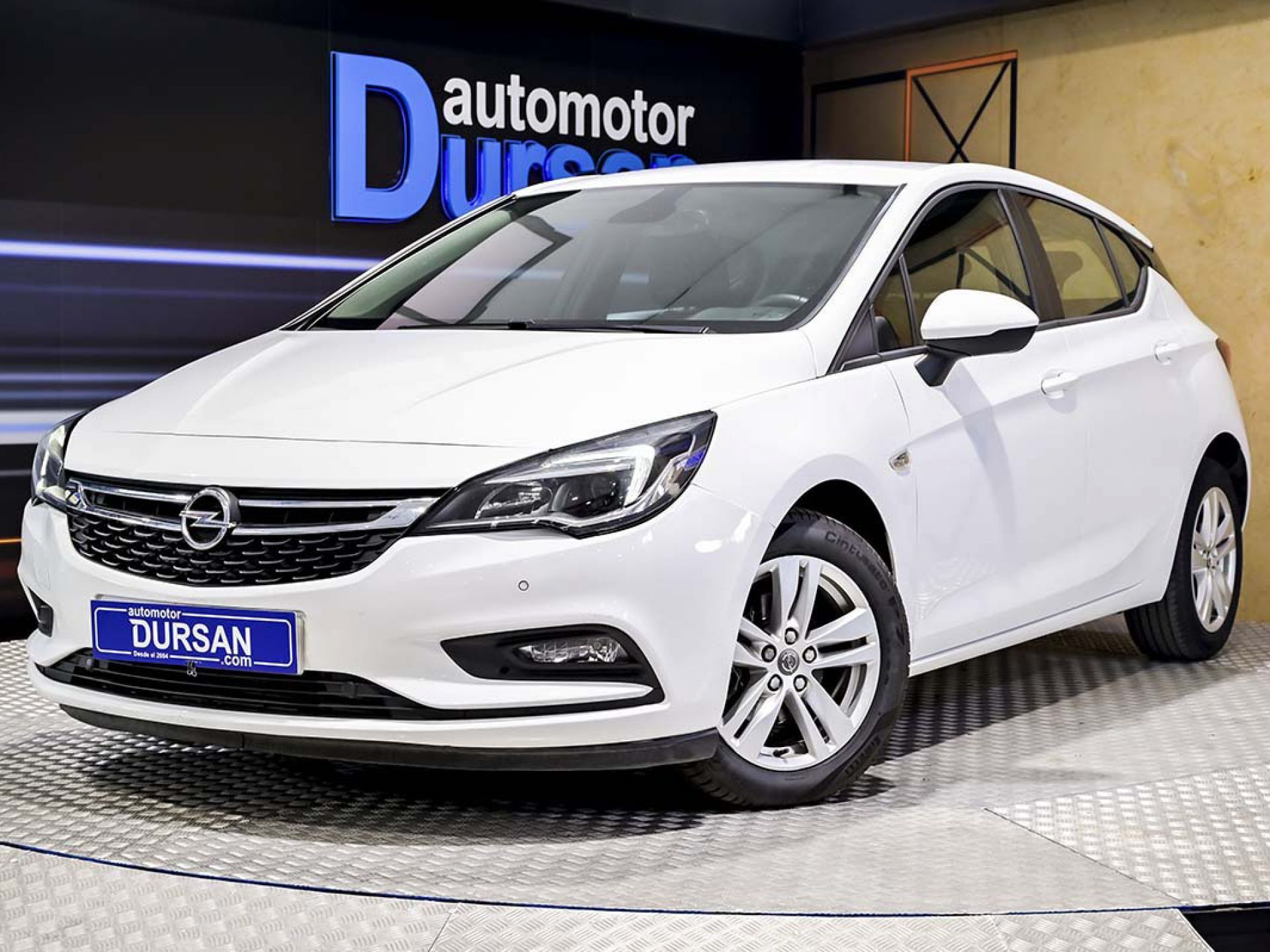 Opel Astra ocasión segunda mano 2018 Diésel por 12.990€ en Madrid