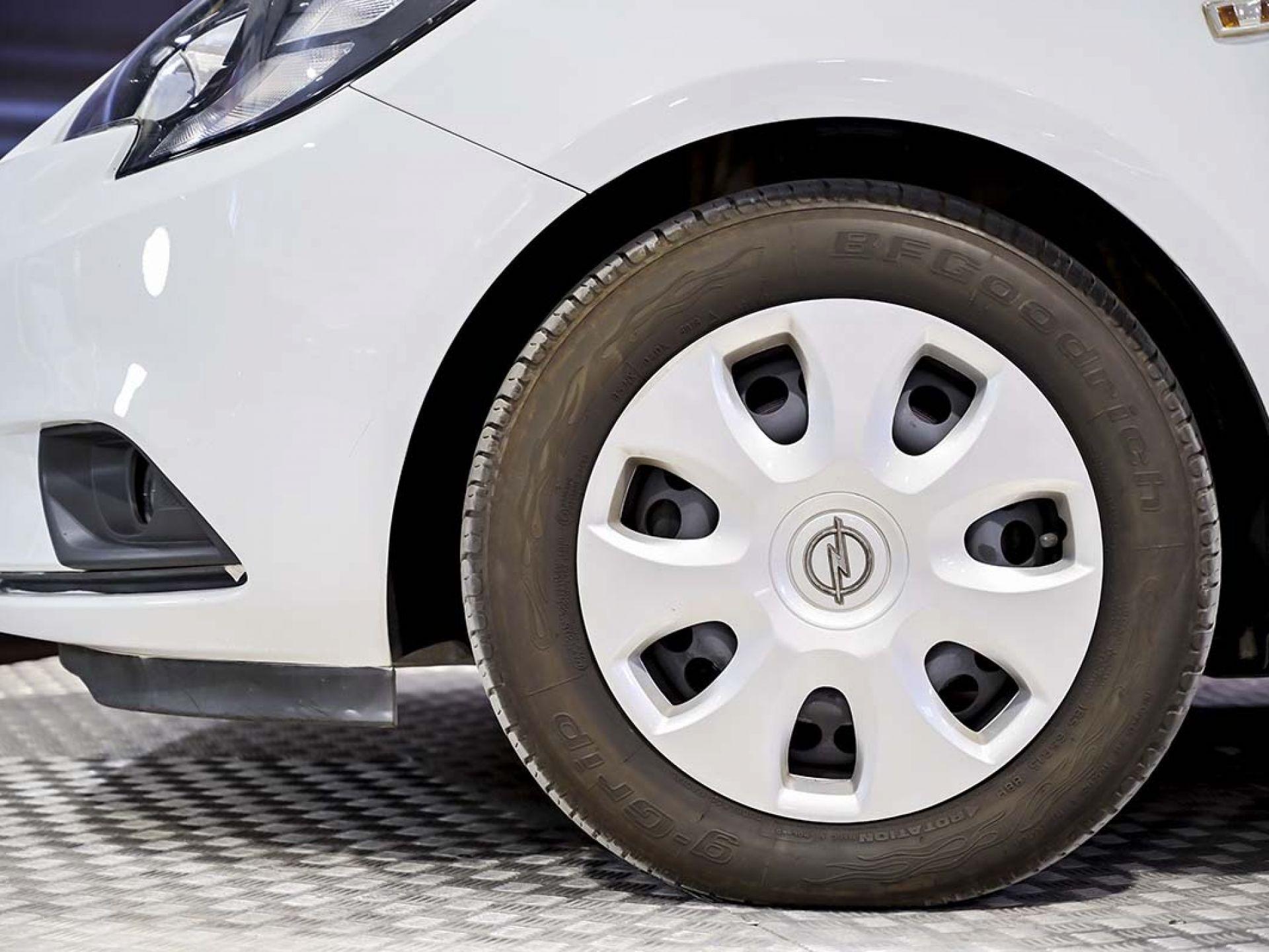Foto Opel Corsa 15