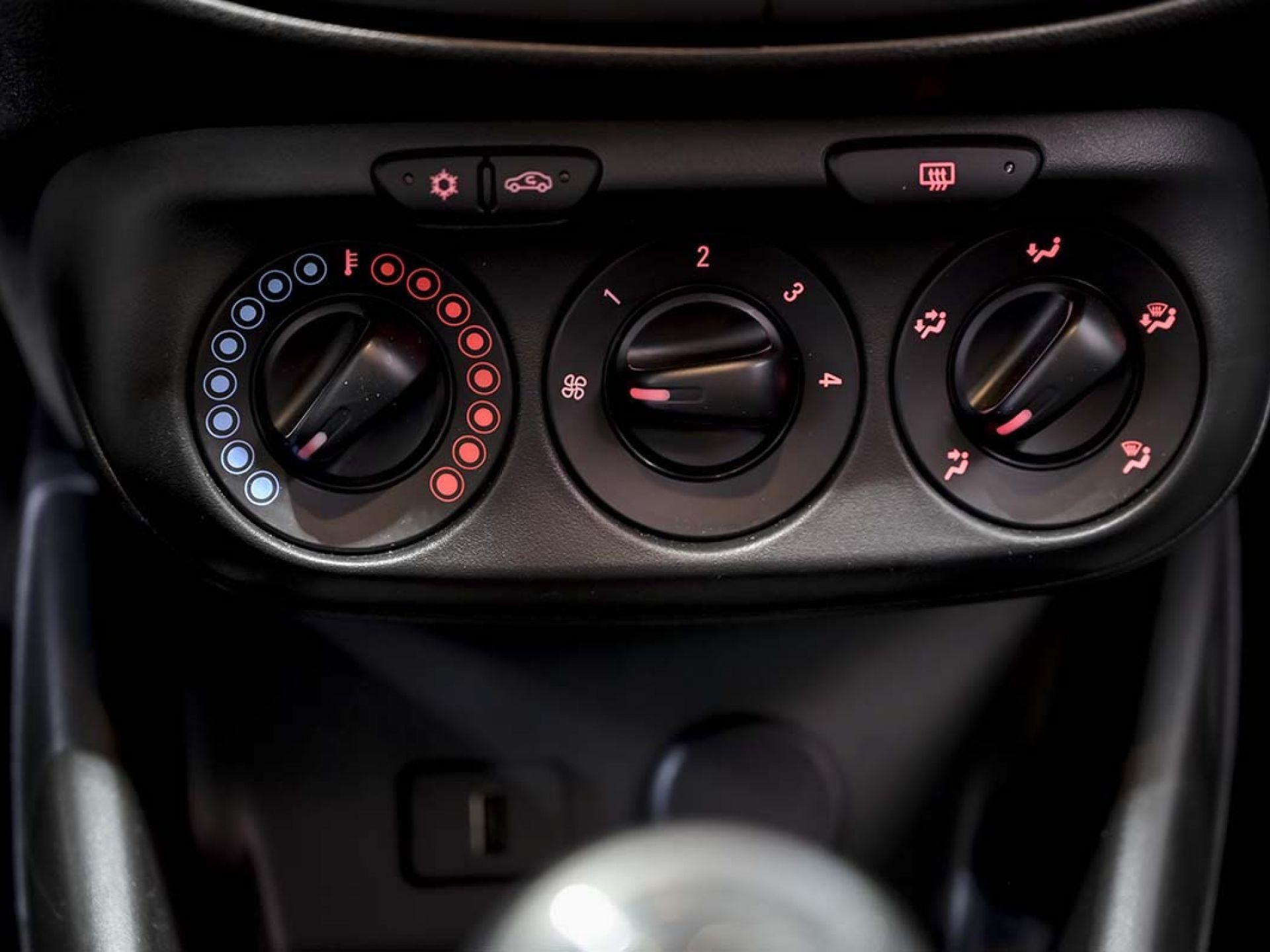 Foto Opel Corsa 34