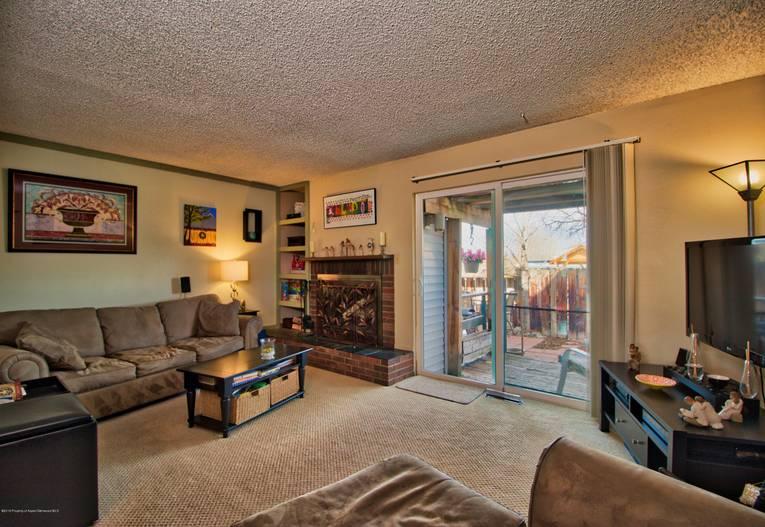 621 S. 2nd Street N Carbondale Photo 12