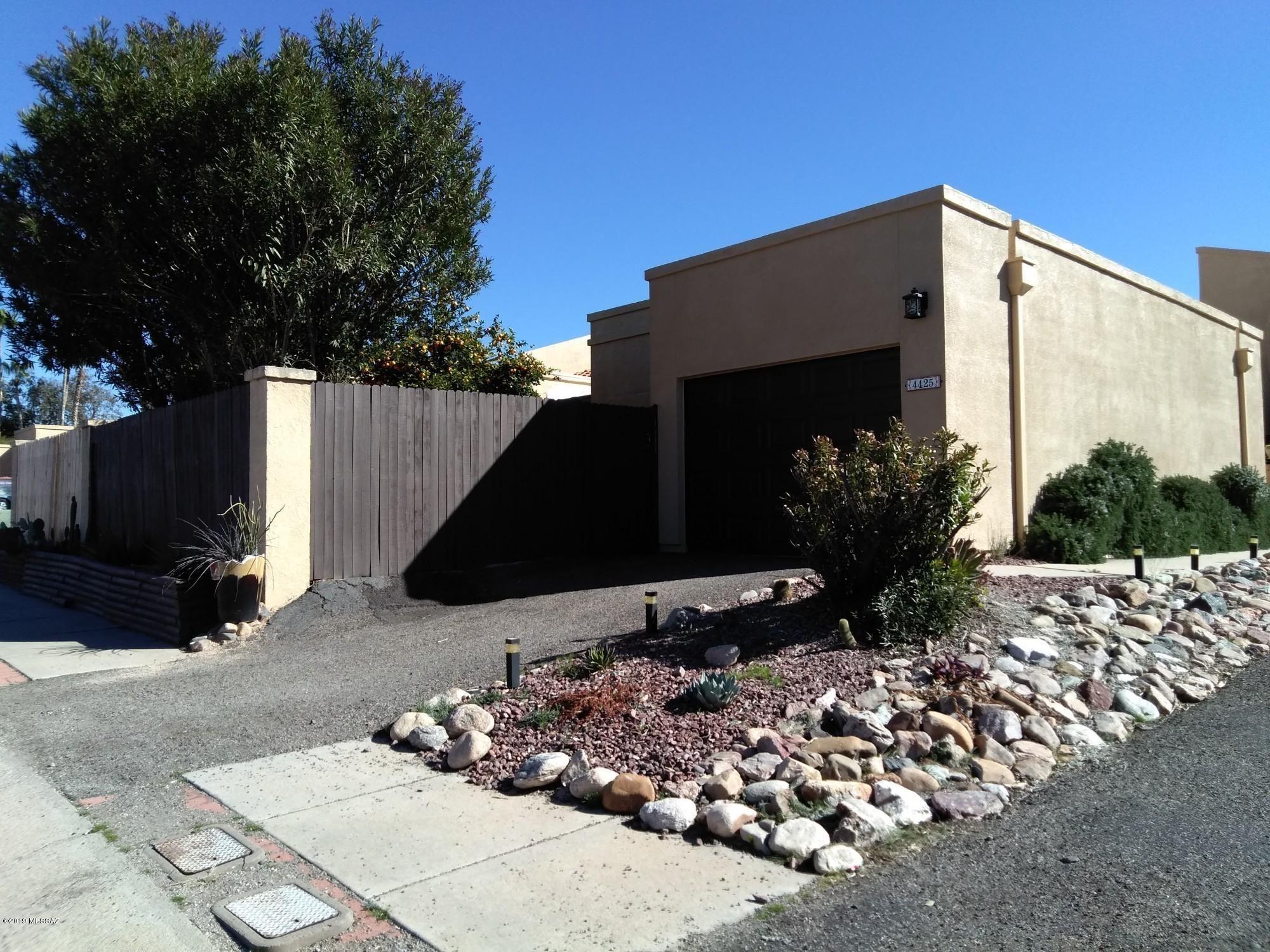 4425  W Pyracantha   Drive Tucson AZ 85741