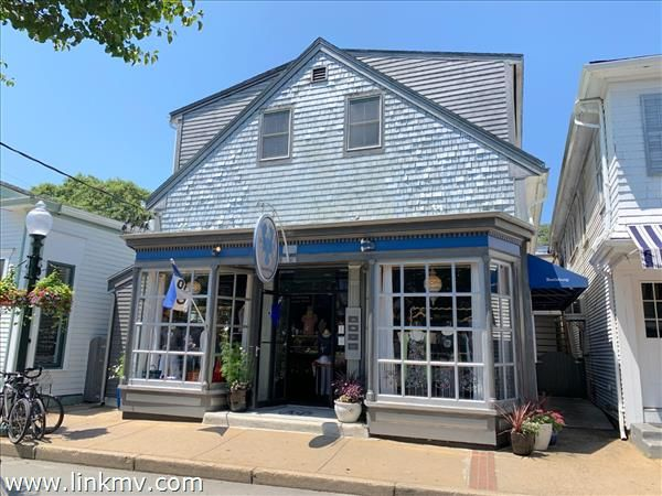 53 Circuit Avenue  Oak Bluffs