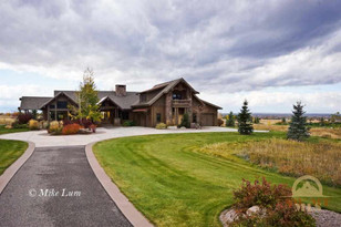 476 Blue Roan Lane Bozeman
