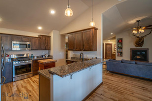 1101 Fort Mandan Livingston