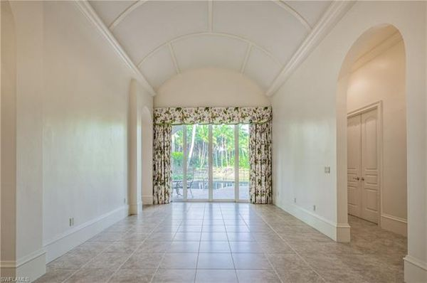 2816 Capistrano Way, Naples, Fl 34105