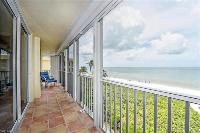 9577 Gulf Shore Dr #401, Naples, Fl 34108