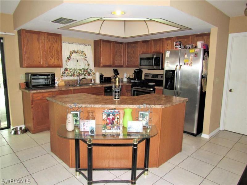 523 Se 16th Terrace, Cape Coral, Fl 33990
