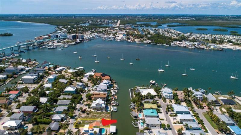 441 Palermo Cir, Fort Myers Beach, Fl 33931