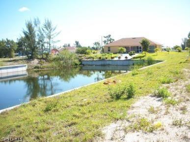 827 Sw 28th Terrace, Cape Coral, Fl 33914
