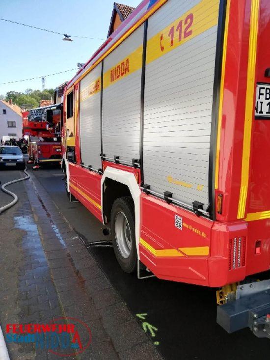 +++ Einsatz Nr: 95 - Feuer mit Menschenleben in Gefahr +++