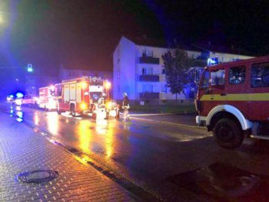 +++ Einsatz Nr: 107 - Feuer Menschenleben in Gefahr: Rauch aus Gebäude +++