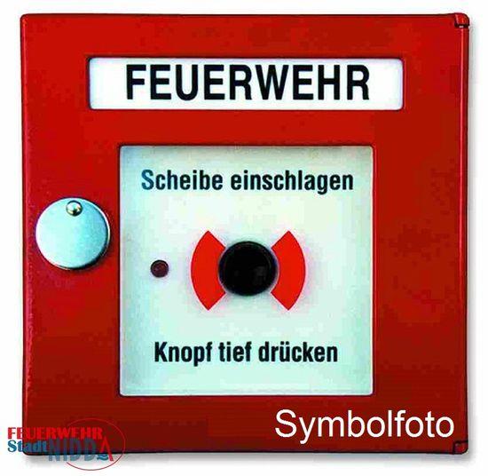+++ Einsatz Nr: 104 - brennt Mülleimer +++