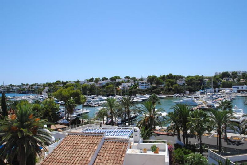 A luxury top floor apartment with extraordinary views over the Cala d`Or