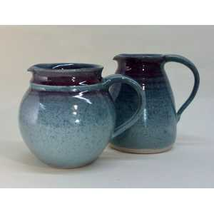 Red:blue jugs h.13-15 cms