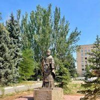 В Волжском появился ещё один памятник покровителя медработников и пациентов