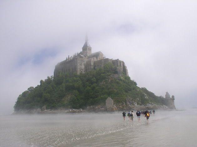 Замок Мон-Сен-Мішель - один з найромантичніших замків старого світу (6)