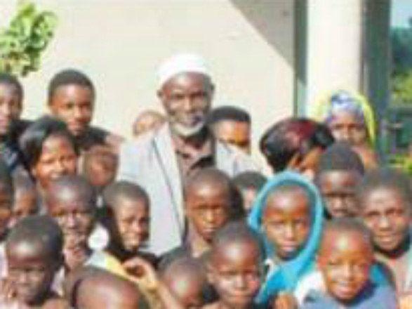 Bolsa família para morador de Uganda que tem 176 filhos