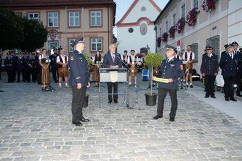 Kreisbrandrat - Amtsübergabe - Eintrag ins Goldene Buch