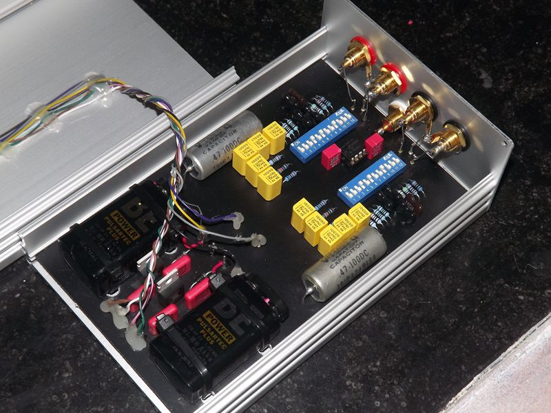 MM phono preamp with accu and solarcells