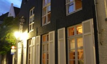 Brugge - Bed & Breakfast - Number 11 Exclusive Guesthouse